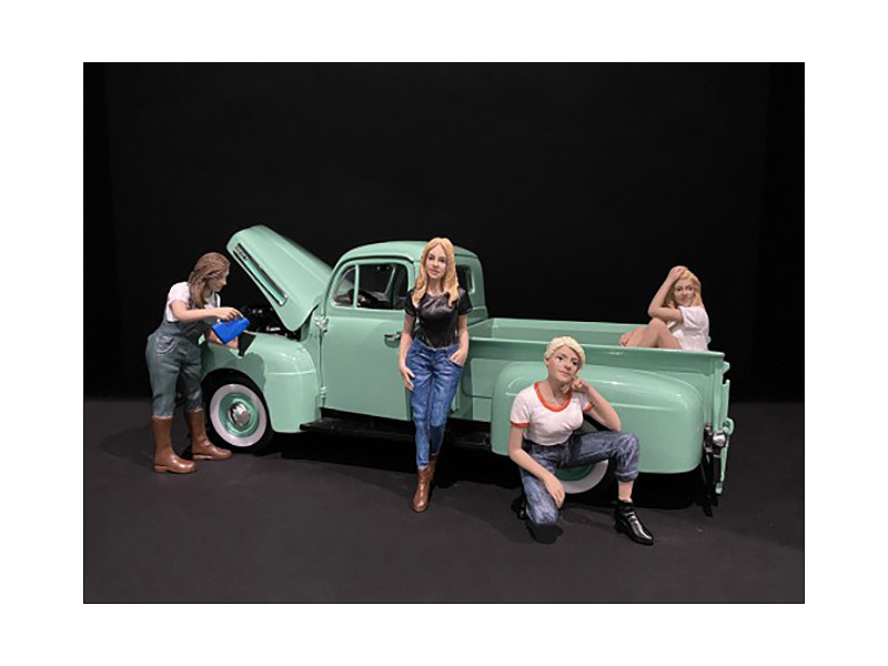 Car Girls in Tees Figurines 4 piece Set for 1/18