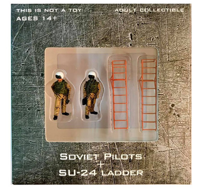 Soviet Air Force, 4-Piece Pilot and Su-24 Ladder (1:72)
