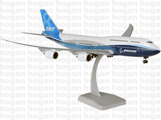 Boeing 747-8 House Colors W/Gear (1:200)