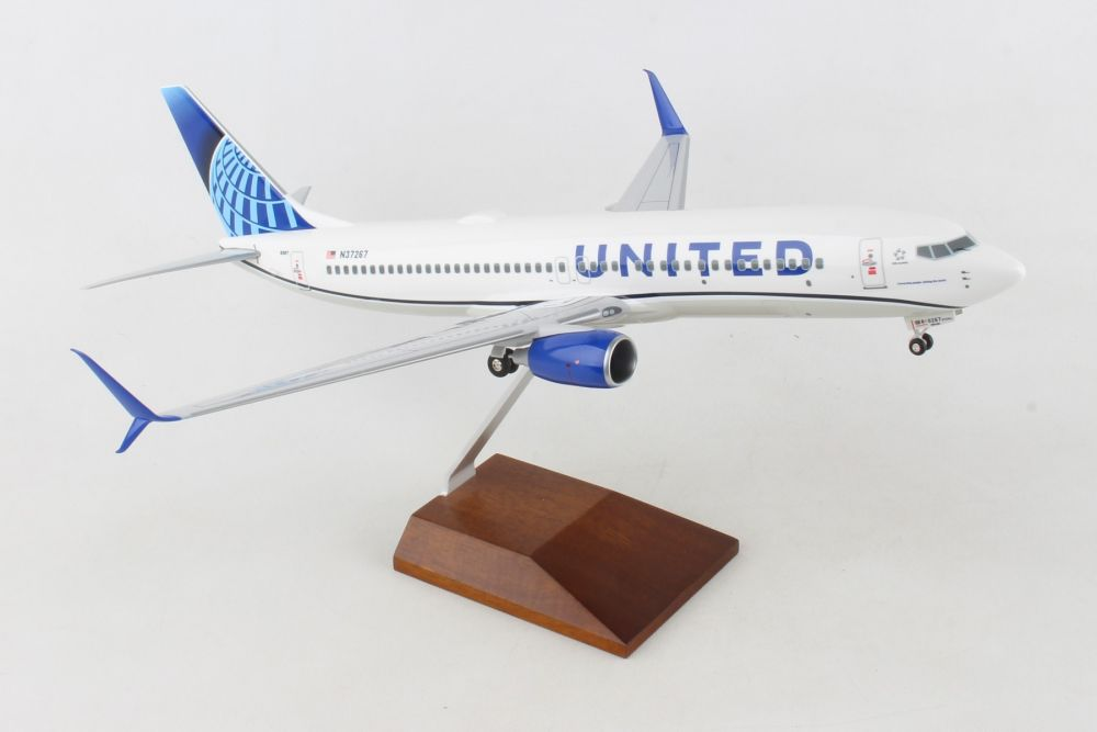 "United 737-800 Sharklets ""New 2019 Livery"" (1:100)"