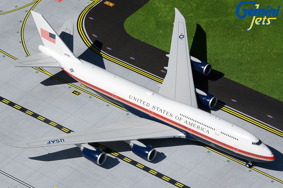 U.S. Air Force B747-8 Air Force One 30000 proposed new livery (1:200)