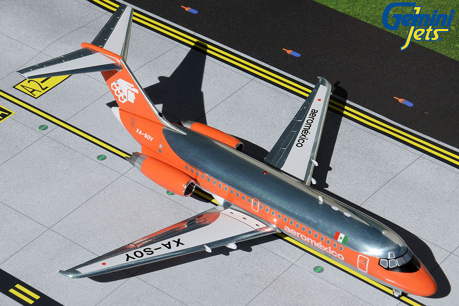 Aeromexico DC-9-15 XA-SOY 1980s livery, orange/polished (1:200)