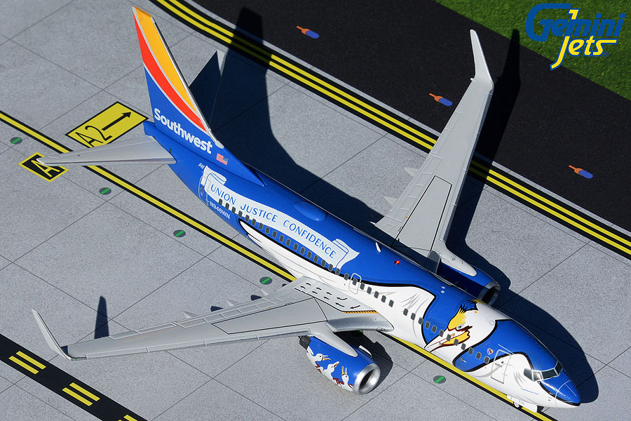 "Southwest B737-700 N946WN ""Louisiana One"" (1:200)"
