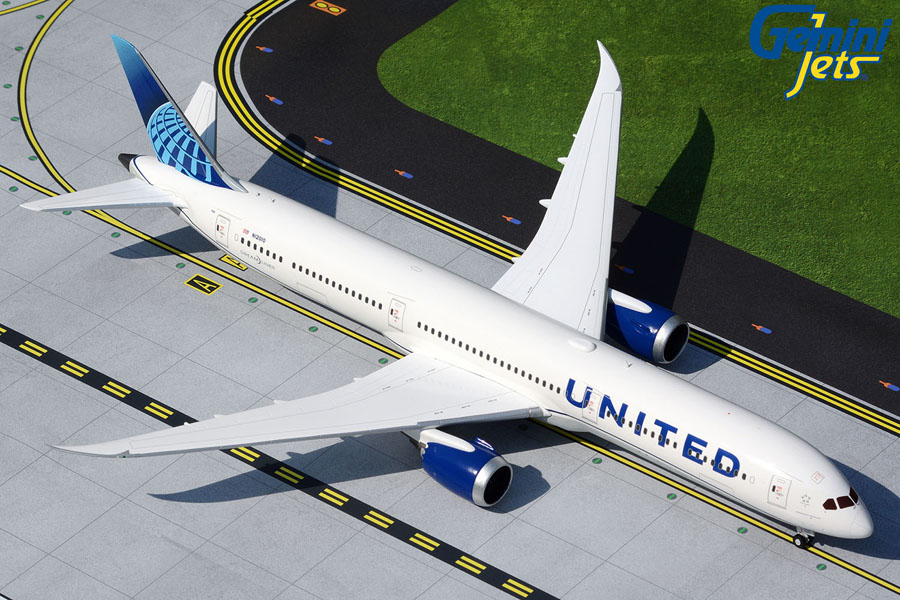 United Airlines B787-10 N12010 new livery (1:200)