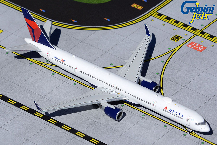Delta Air Lines B757-300 N586NW (1:400)