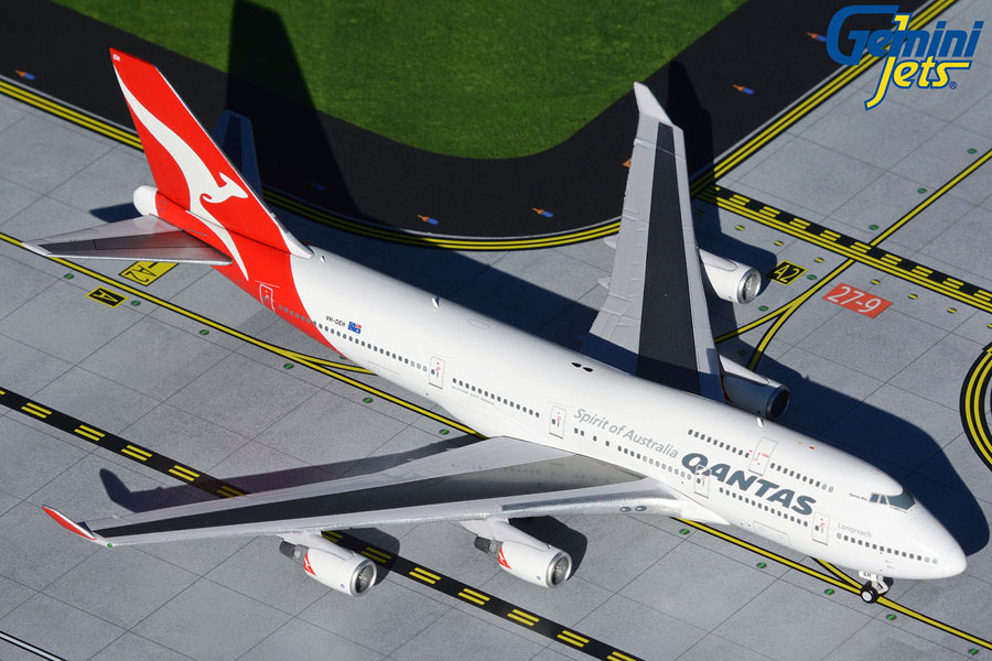 Qantas Airways B747-400ER VH-OEH ?Hervey Bay? (1:400)