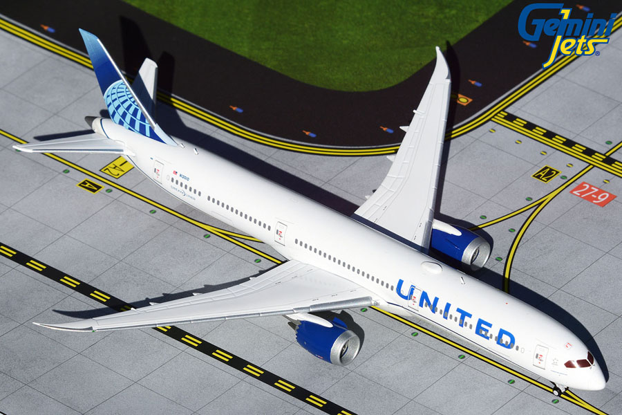 United Airlines B787-10 new livery (1:400)